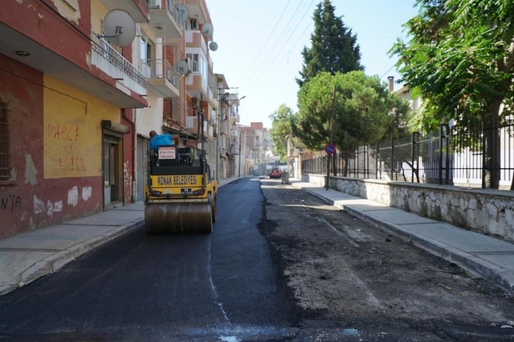 2020/08/konakin-sokaklarina-7-ayda-3-bin-800-ton-asfalt-20200801AW08-1.jpg