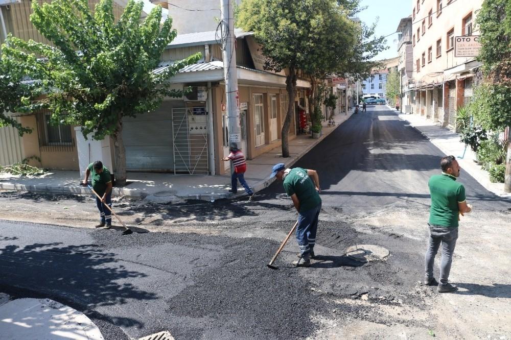 2020/08/konakin-sokaklarina-7-ayda-3-bin-800-ton-asfalt-20200801AW08-3.jpg