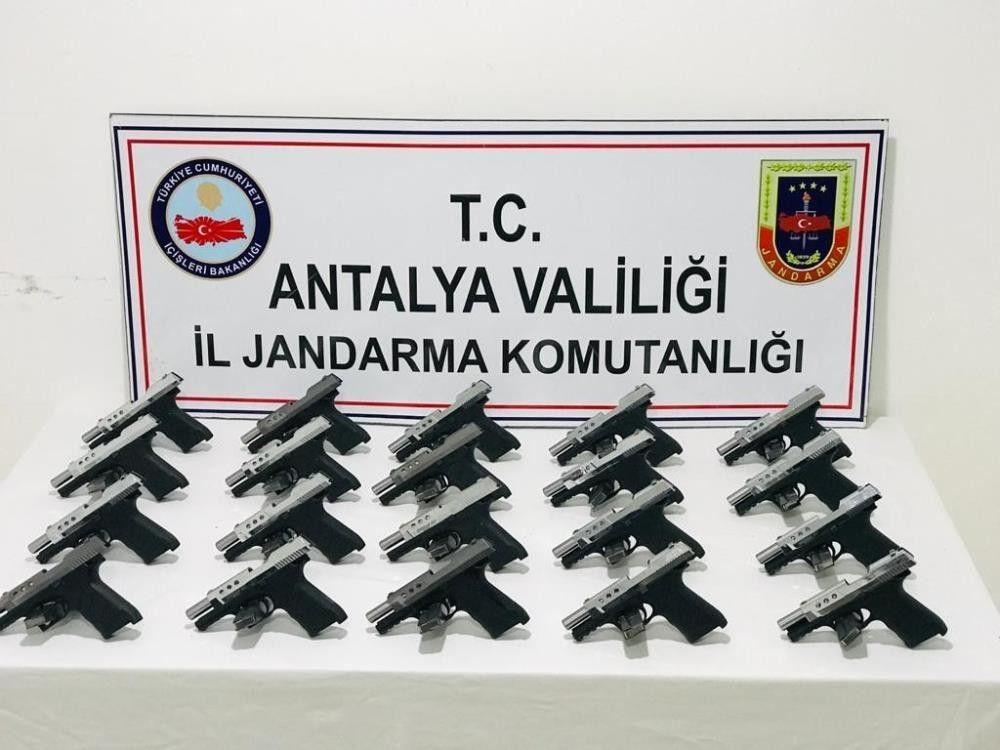 2021/09/20-tabancayla-yakalanan-kadin-bakin-ne-dedi-20210914AW41-2.jpg