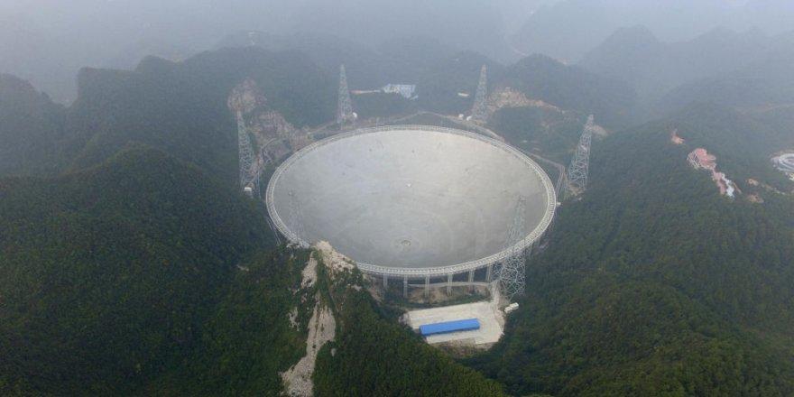 Çin'in devasa teleskobu, 3 milyar ışık yılı uzaktan gelen sinyalleri takip etmeye başladı