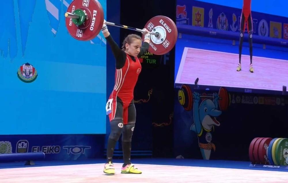 Milli halterci Şaziye Erdoğan, Dünya şampiyonu oldu #saziyeerdogan