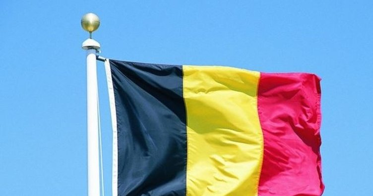 Belçika, gençleri ve vatandaşları siyasete katmayı amaçlayan kanun peşinde