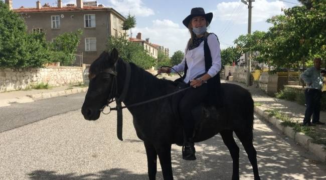Niğde'nin 'kovboy' kadın muhtarı