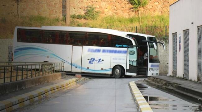 Yolcu otobüsü, hastaneye koronalı hasta getirdi