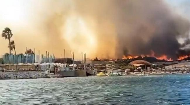 Alaçatı'da büyük yangın