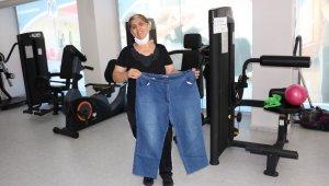 Azmetti, 6 ayda 23 kilo verdi