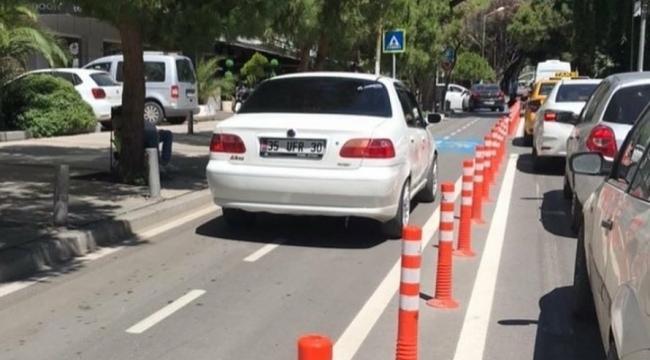 Bisiklet yolu diye yapıldı, arabalar kullanıyor