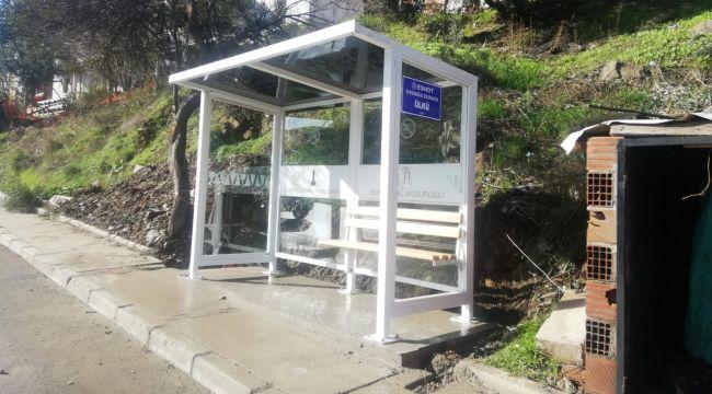 Baraka durağın yerine modern otobüs durağı