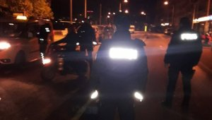 Kuşadası'nda otele kumar operasyonu: 5 gözaltı