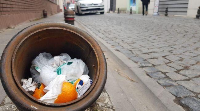 Trafik dubasını çöp kovasına çevirdiler
