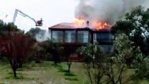 Urla'daki yangın korkuttu