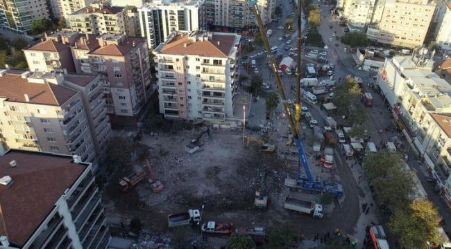 Depremde yıkılan Rızabey Apartmanı'nın alanı park olacak
