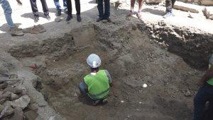 Kuşadası'nda 700 yıllık insan kemikleri