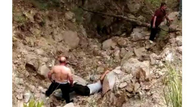 Elektrik direklerini sayarken uçurumdan düştü
