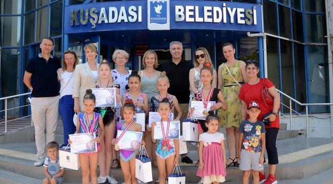 Jimnastikçiler Kuşadası Belediyesi'nde
