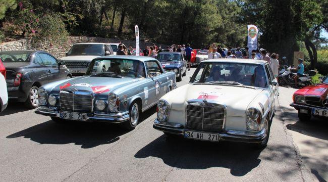 Klasik otomobiller Bodrum'da buluştu