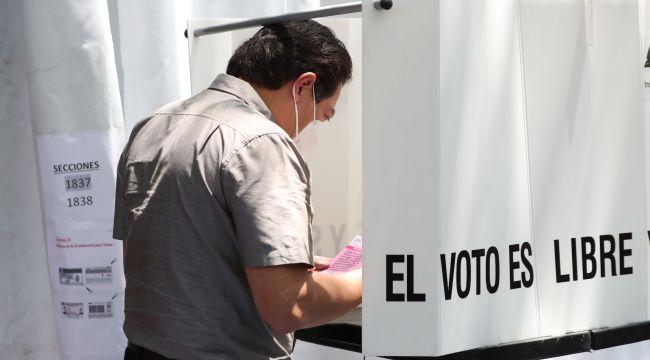 Meksika'da 5 eski devlet başkanı yargılanabilir