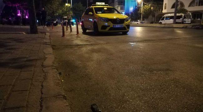 Bayraklı'da yarış yapan sürücülerin dehşeti: 1 ağır yaralı