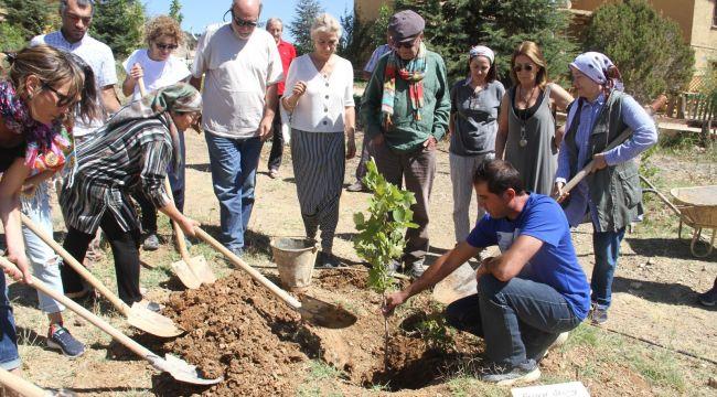 Ferhan Şensoy'un adı Sonsuz Şükran Köyü'nde yaşayacak