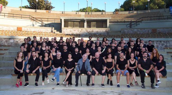 İzmir Şehir Tiyatrosu 70 yıllık aradan sonra Azizname ile dönüyor