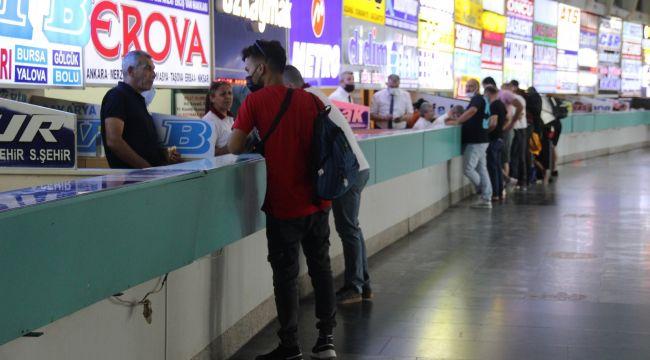 İzmir'de 18 yaşından küçüklere otobüs ve uçak bileti satışı yasaklandı