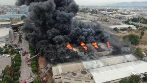 Tekstil fabrikasında büyük yangın böyle görüntülendi