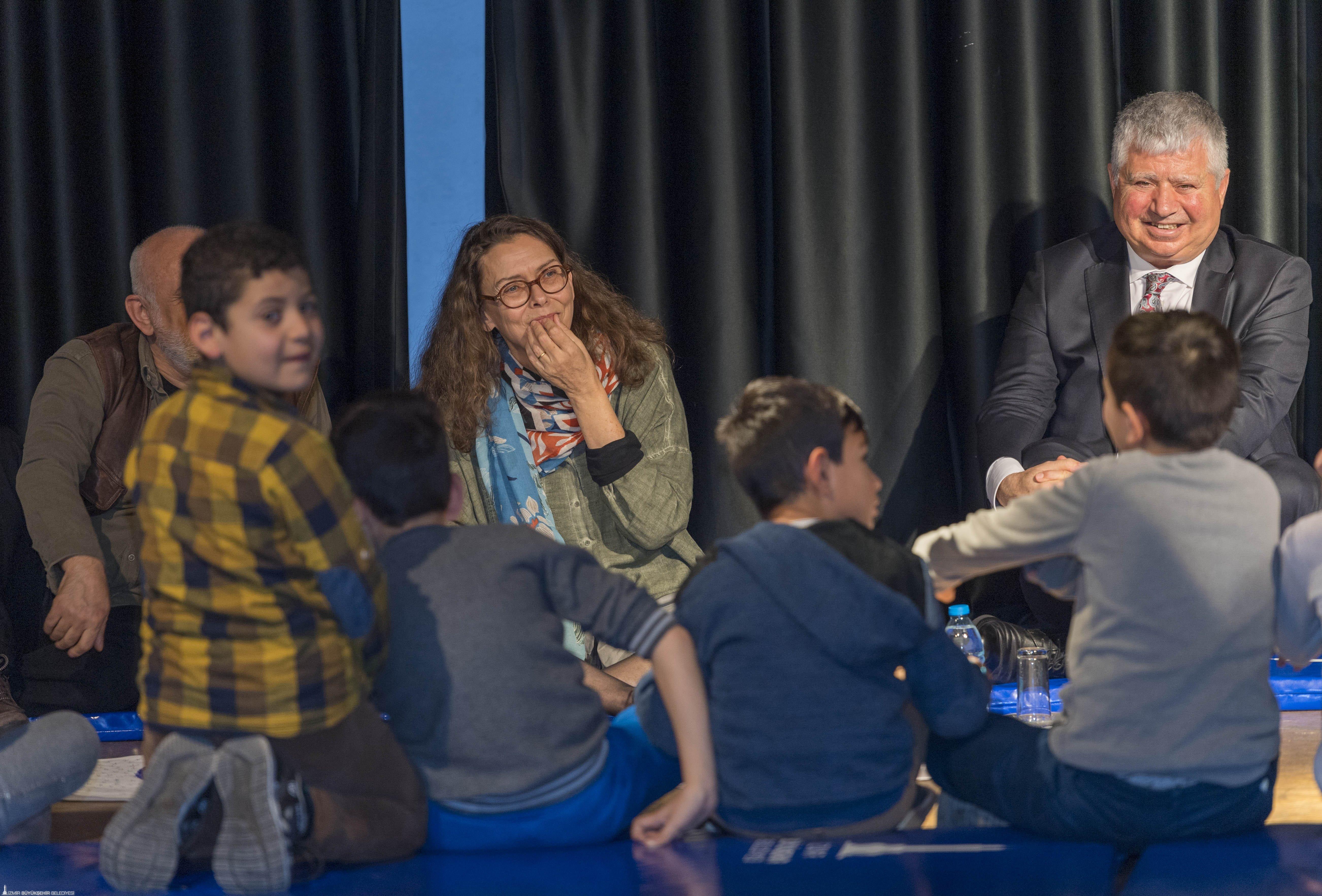 İsveçli Asa Lind'ten İzmirli çocuklara: Hayal edin, keşfedin
