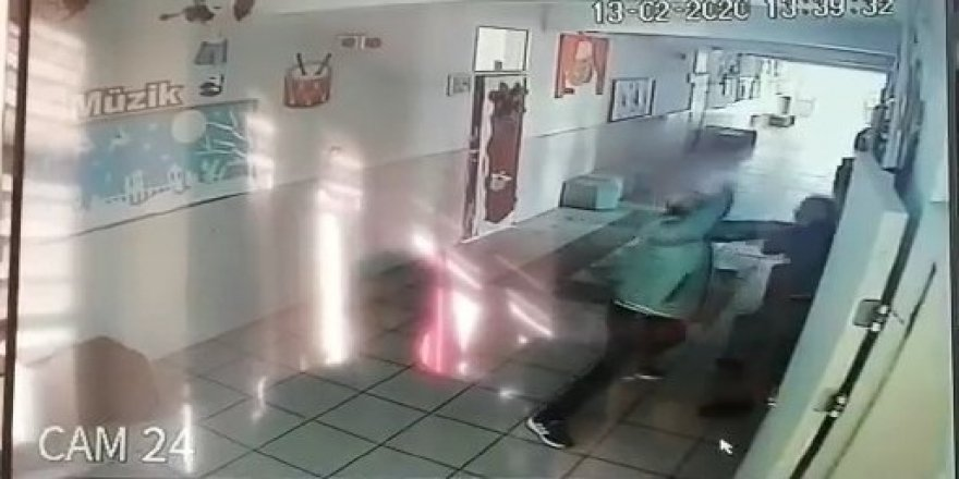 Öğretmeni böyle dövdü