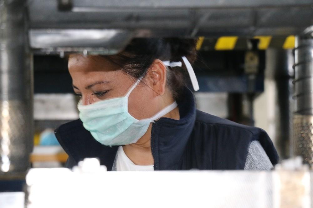 Sanayi kenti Kocaeli'de üretim devam ediyor