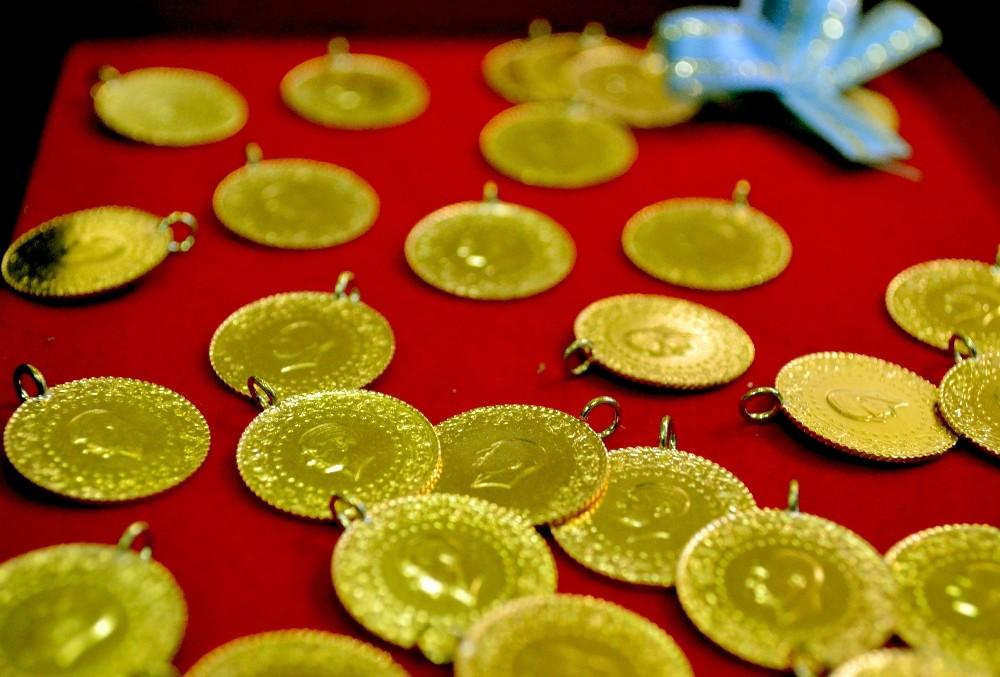 Altın uçuyor, çeyrek altın 613 lira oldu