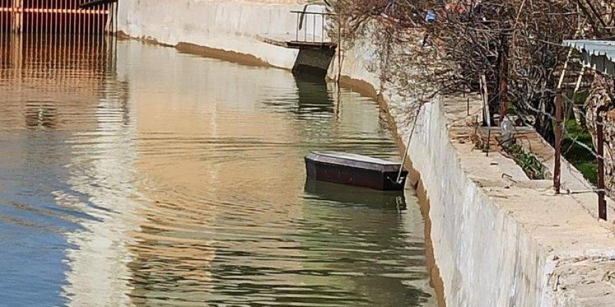 Nehirde yüzen tabutlarla ilgili açıklama