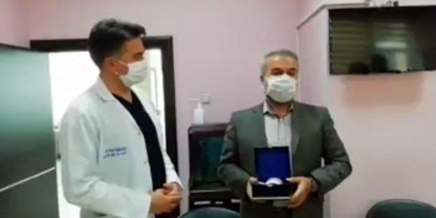 Korona virüsü yendi, immün plazma bağışladı