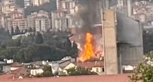 İzmir Forum Bornova yanında villalar yanıyor